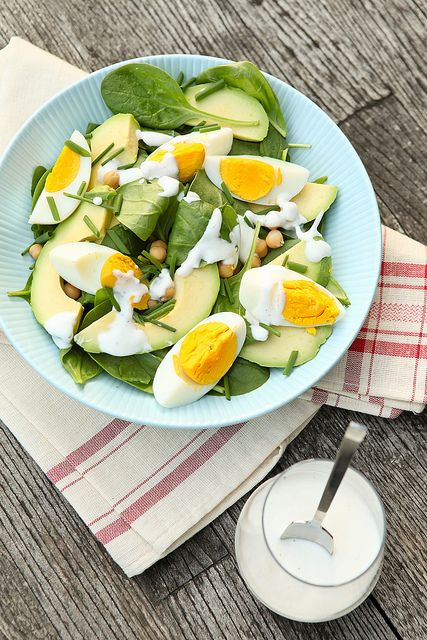 Spinach, eggs, chickpeas, chives, avocado, and greek yoghurt dressing by photo-copy, via Flickr