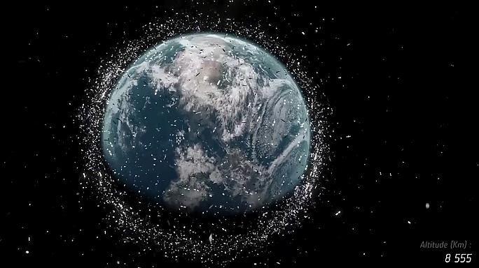 La Agencia Estatal Europea alerta del peligro que representa la basura espacial a nuestro planeta.