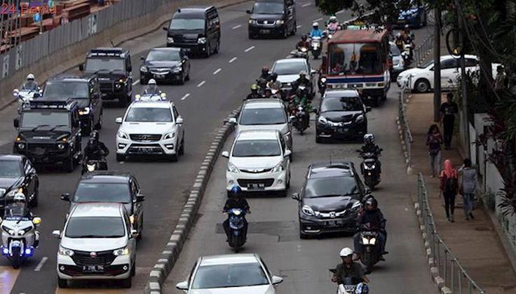 Keluhan Kurir Motor Jelang Larangan Sepeda Motor di Sudirman