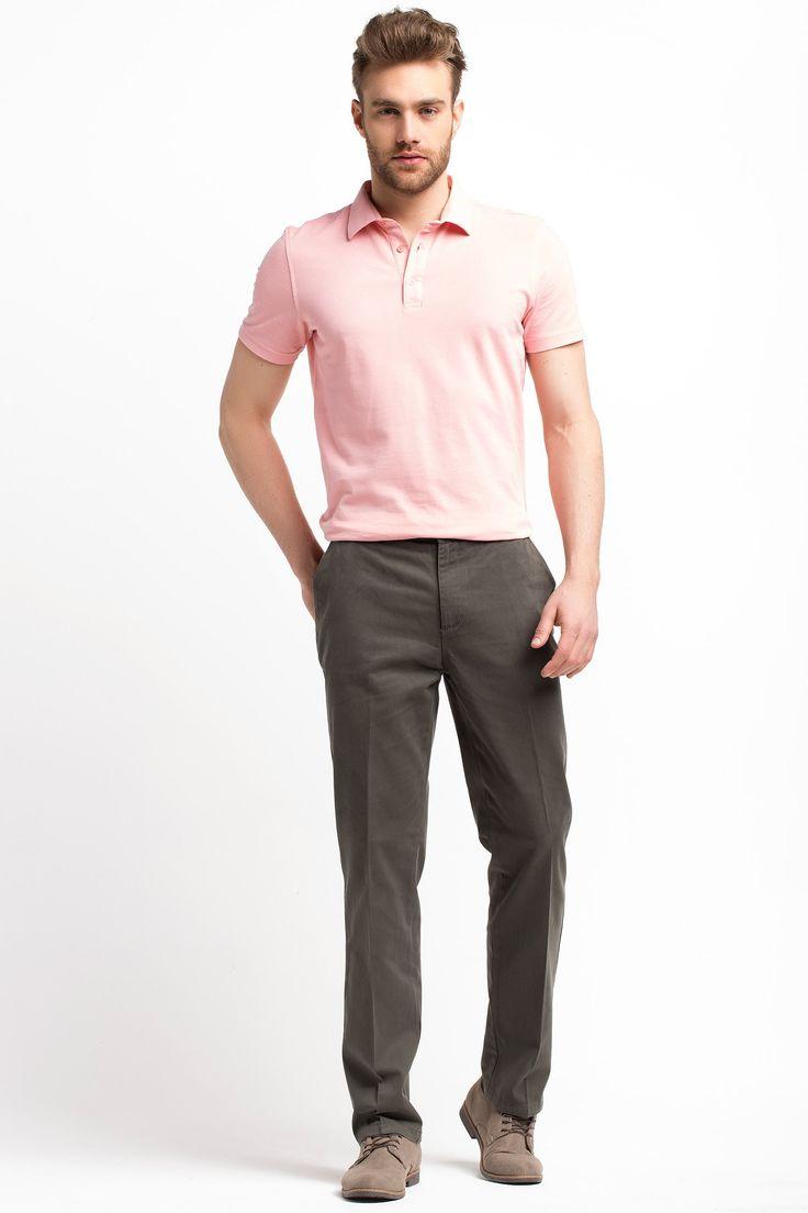 Boru paçası ve basic görünümü ile Defacto Chino pantolonları ile kolayca şıklığı yakalayın. Gömleklerinizle veya basic bodylerinizle kombinleyerek kullanabilirsiniz.