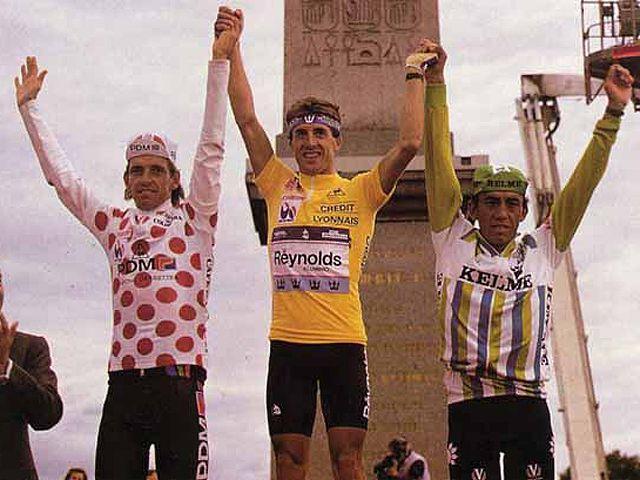 """1988 Tour de France. Pedro Delgado, Stephen Rooks, Fabio Parra. A algunos aficionados en Colombia nos gusta atribuir este TDF al gran Fabio Parra, pues en aquel año Pedro Delgado daría positivo de doping al igual que Steven Rooks, el único """"limpio"""" fue Parra. Dejemos que la historia haga su trabajo."""