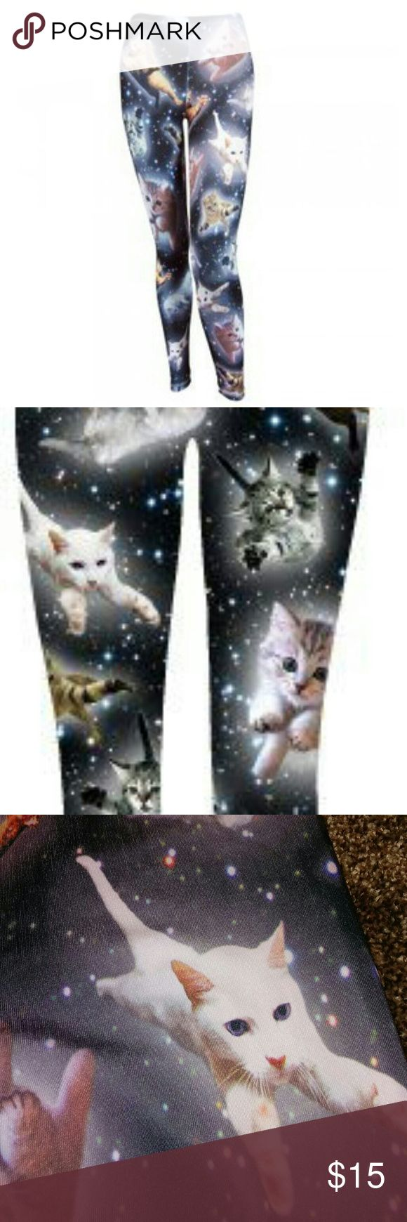 🆕 Kitties in Space Leggings 🐺Size M. Runs slim but with stretch. 95% polyester. 5% spandex. Puuuurfect for the kitty lover. EUC Freeze Pants Leggings