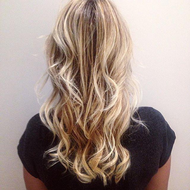 haircolor coloriste paris blonde balayage lumiere cheveux coiffure - Coloriste A Paris
