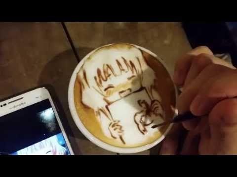 #本日の暇カプチーノ、『筋肉執事喫茶@ごちうさ二期』。 #ラテアート #Latteart - YouTube