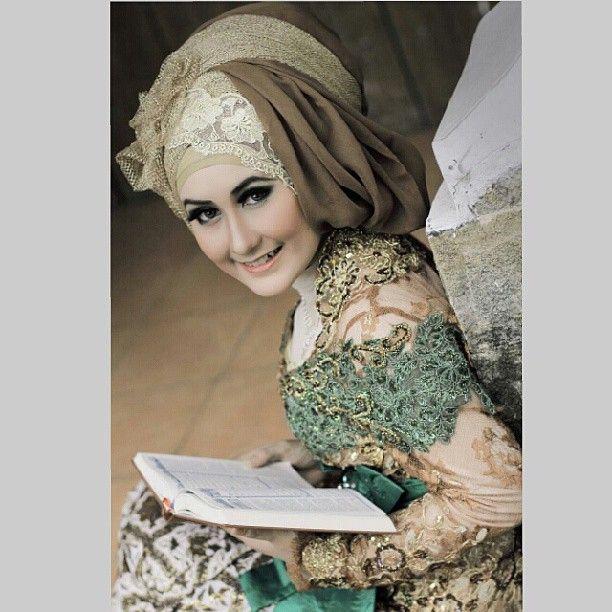 model  me (riris) , MUA : me , stylist jilbab : me ,  wardrobe : rif'ah janur kuning wedding organizer,, hunting photo ramadhan, with KFI Malang,  at stmj bejo malang ,