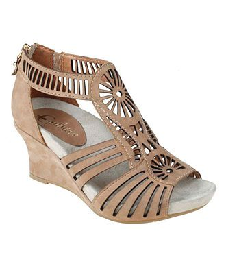 Comfortable neutral low heels