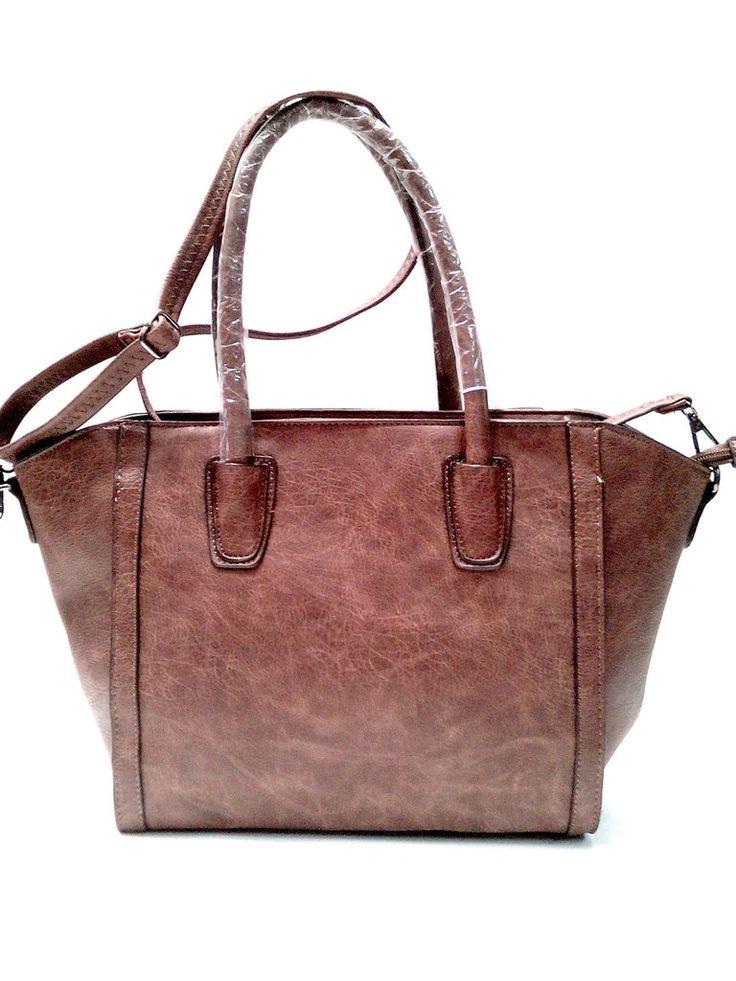 Τσάντα ώμου μεγάλη σε καφέ χρώμα