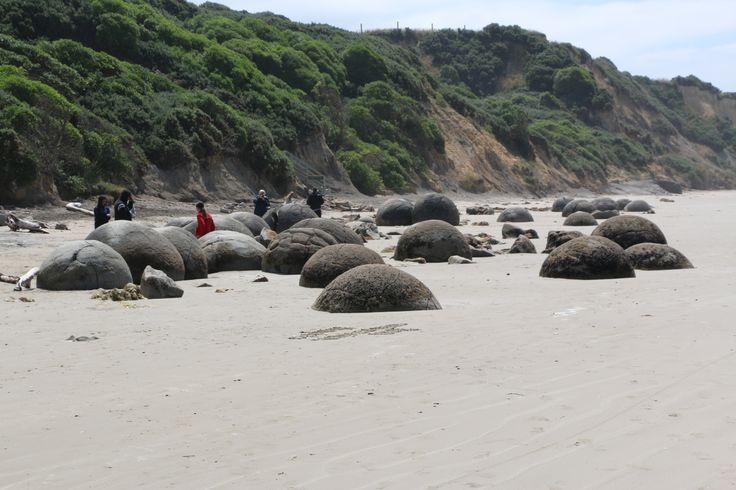 Moeraki Boulders By: www.silberhorn.co.nz
