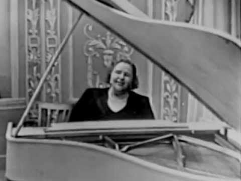 The Kate Smith Hour: Dream a Little Dream of Me - YouTube