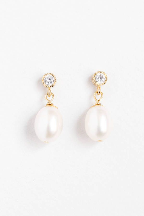 The Bella freshwater pearl drop earrings will add a flawless finish to a vintage-inspired or modern bridal look.