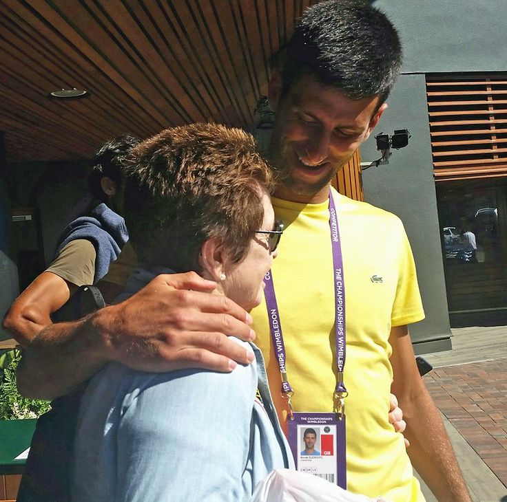 @BillieJeanKing   Ran into this great champion at #Wimbledon. Always a gentleman and fun to 'Djoke' around with. Nice to see you, @DjokerNole. 😆😘