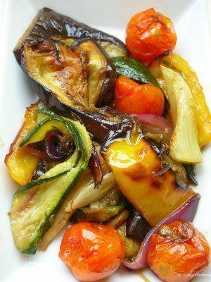 Insalata di verdure grigliate con salsa alla senape