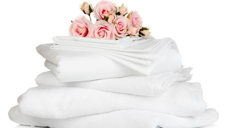Чем стирать белое белье от грязи и пятен