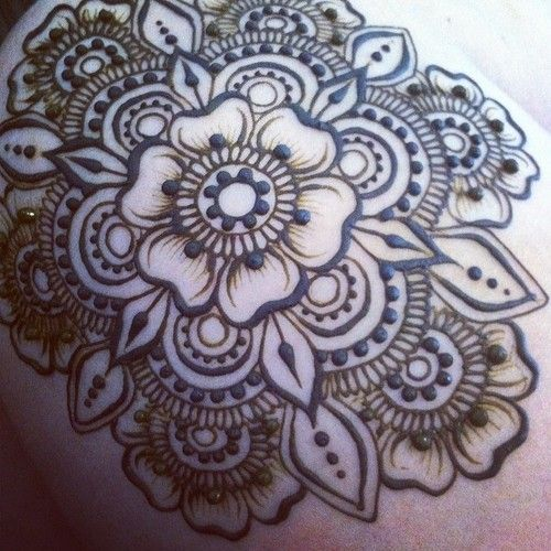 Mehndi Flower Chadar : Henna flower medallion design inspiration ink it