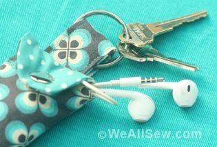 Keychain Earbud Pouch WeAllSew « http://weallsew.com
