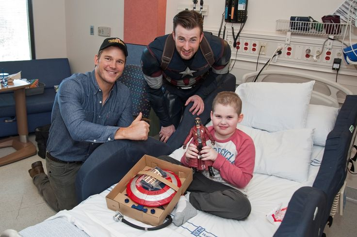 Much like their superhero alter egos, Chris Pratt and Chris Evans saved the day in the eyes of the kids at the Seattle Children's today.