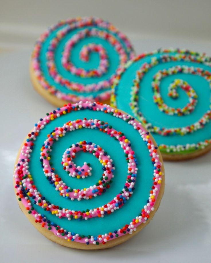 3066 best Birthday ide... Round Birthday Sugar Cookies