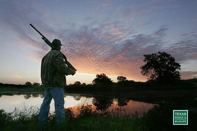 Looking for the perfect gift for your hunting enthusiast? Click through to purchase entries in Big Time Texas Hunts and choose from 8 exclusive packages of guided hunts on premium ranches and wildlife management areas. Proceeds benefit wildlife conservation in Texas.