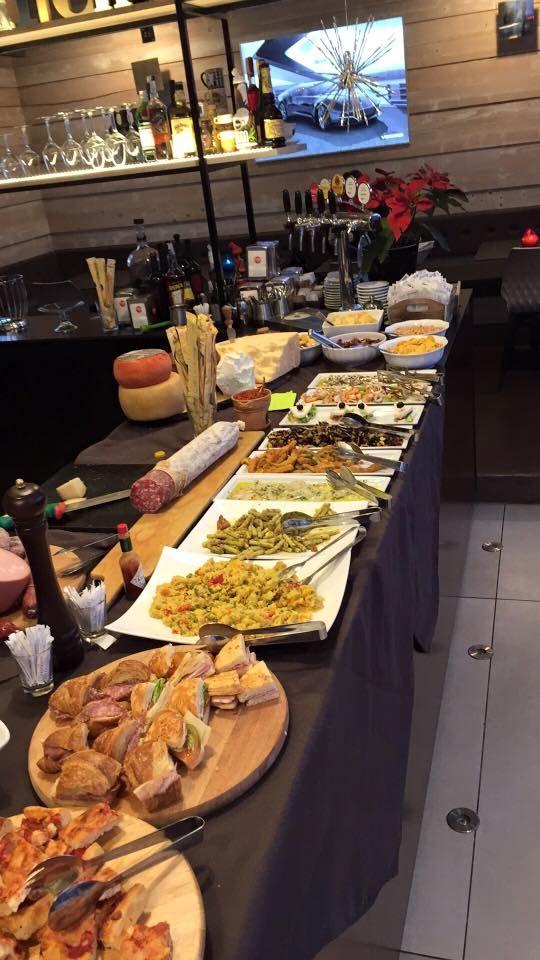 #Aperitivo da #SkylineCaffè!  #ristorante #aperitivorimini #rimini #buffet #maximumsocial