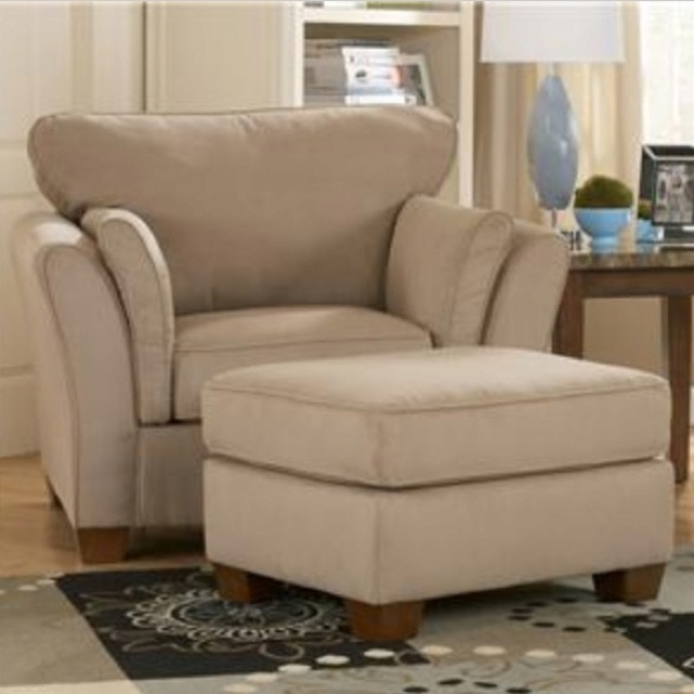 Sofa Mart Accent Chairs: Living Room Chair Set