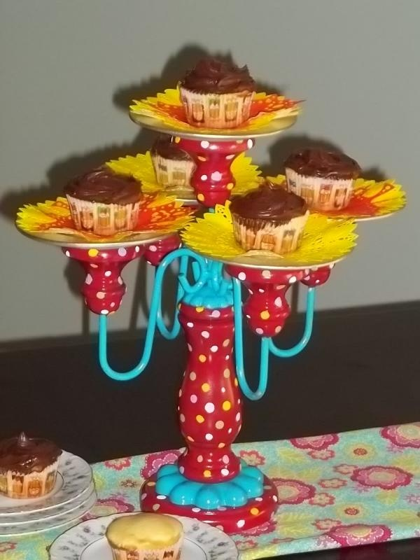 A DIY Cupcake Candelabra Trash to Treasure & 23 best trash to treasure images on Pinterest | Backyard ideas ...