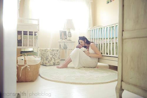 This is GORGEOUS...Natural light, neutral colors, sweet moment