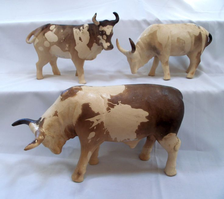 Phumlani- Bull and female Nguni cows. Ceramic sculpture. Artisan Gallery 0313214364, info@artisan.co.za.