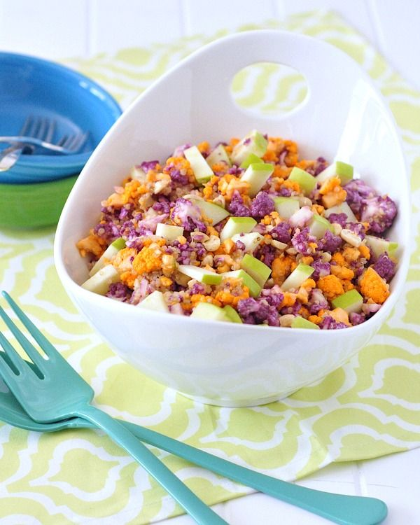 Cauliflower Cashew Confetti Salad - vibrant cauliflower brings great color and texture to this salad. Layers of flavor and crunch with a bright lemony shallot dressing. @spabettie