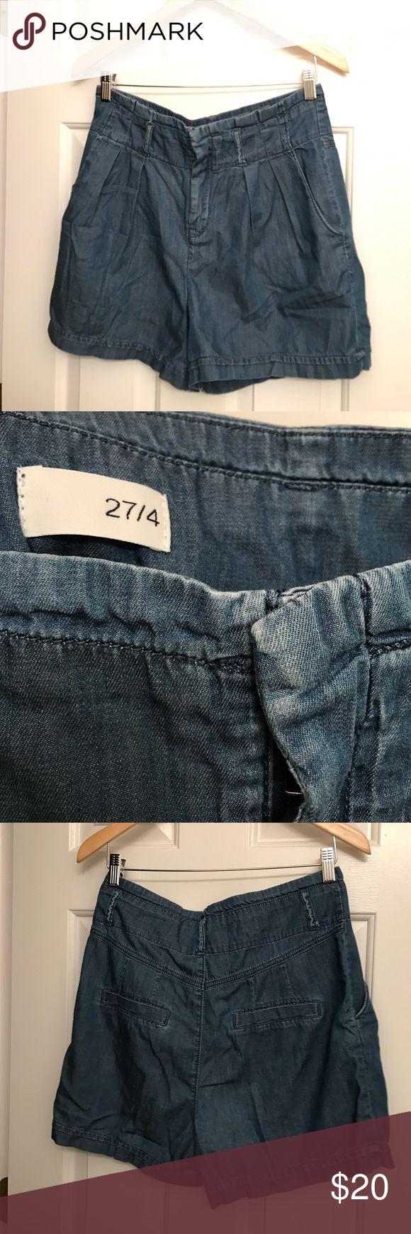 GAP Chambray High-Rise Pleated Shorts GAP high-rise chambray shorts with pleats! GAP Shorts