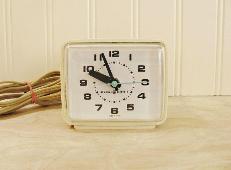 Vintage GE Electric Alarm Clock WORKS! General Electric Alarm Clock Model 7369A Beige Clock 1970's Clock Bedside Clock Travel Alarm by HipCatRetroVintage on Etsy