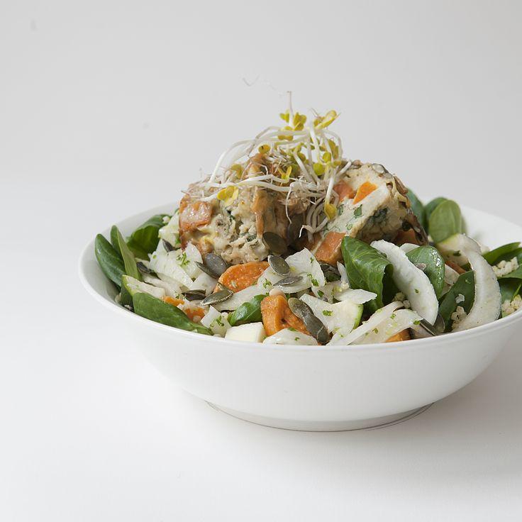 mini fritatta with quinoa flakes, roasted pumpkin, sage & goat's brie salad // Spring Menu // by Wij Zijn Kees // www.ilovesla.com