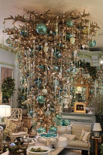 20 Inspiring Christmas Tree Decorating Ideas