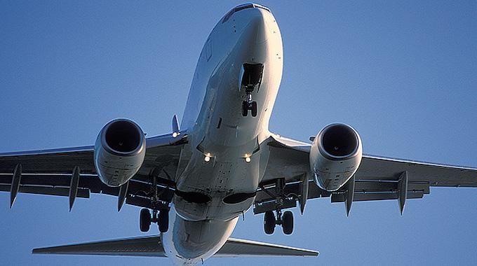 Quand faut-il acheter son billet d'avion pour le payer moins cher ? C'est une bonne question. Car suivant le moment où vous le réservez, les prix peuvent passer du simple au double. H...