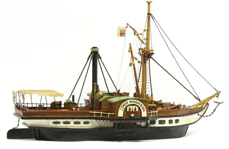 """Schiffsmodell: Seitenraddampfer """"Stadt Magdeburg""""  [27]"""