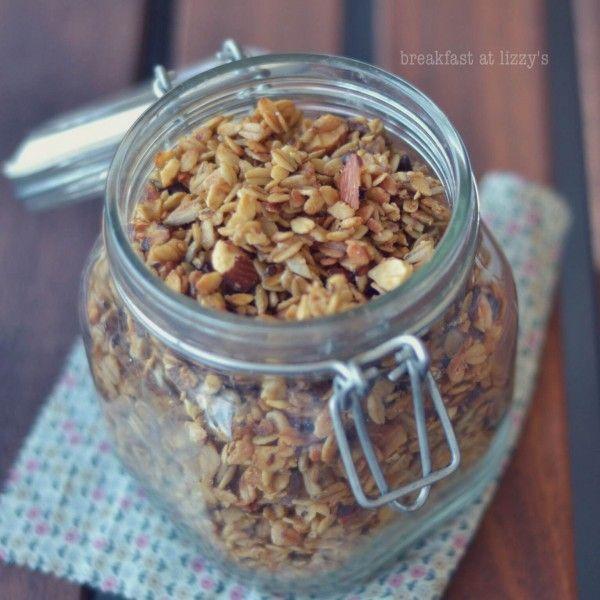 Cereali per la colazione fatti in casa: granola
