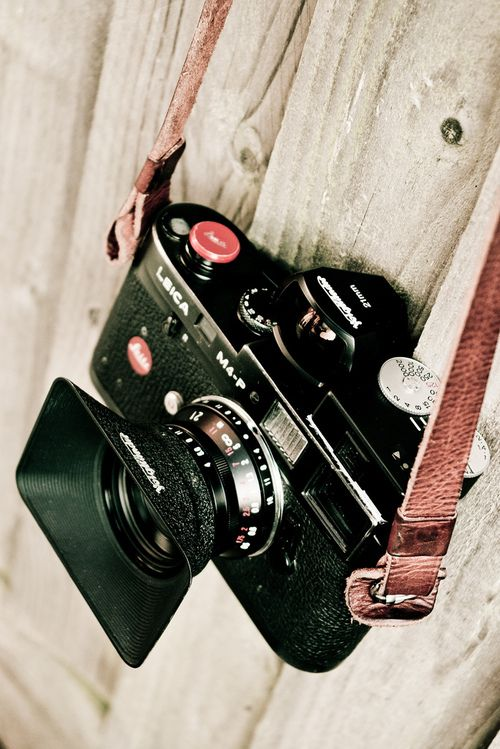 Leica M4P with Voigtlander 21mm f4 lens and viewfinder, Voigtlander VCII meter (by chiscocks)