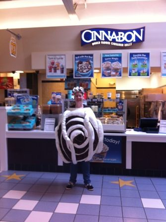 Anthony Musilli is the owner of a successful and accomplished Cinnabon Bakery franchise.