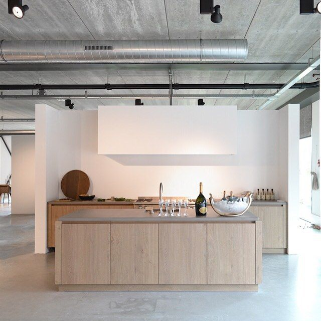 Piet Boon Kitchen showroom Styling: Karin Meyn Image © C-Moore (C-Moore blog)