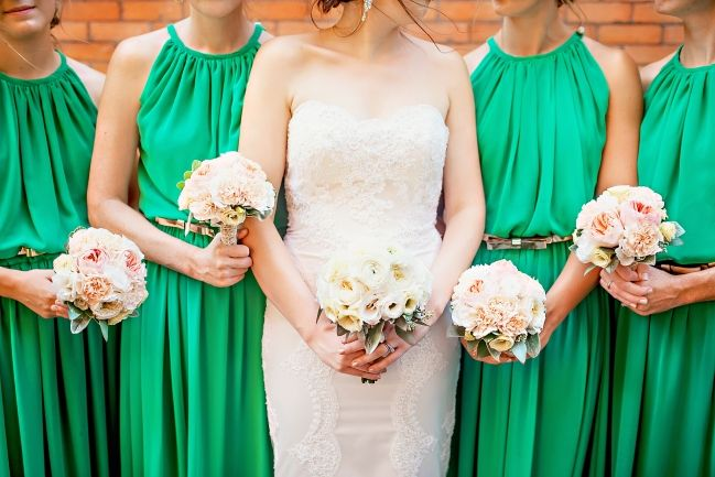 Wedding flowers, bride and bridesmaids, green bridesmaids dresses, hamilton ontario, melissa avey photography
