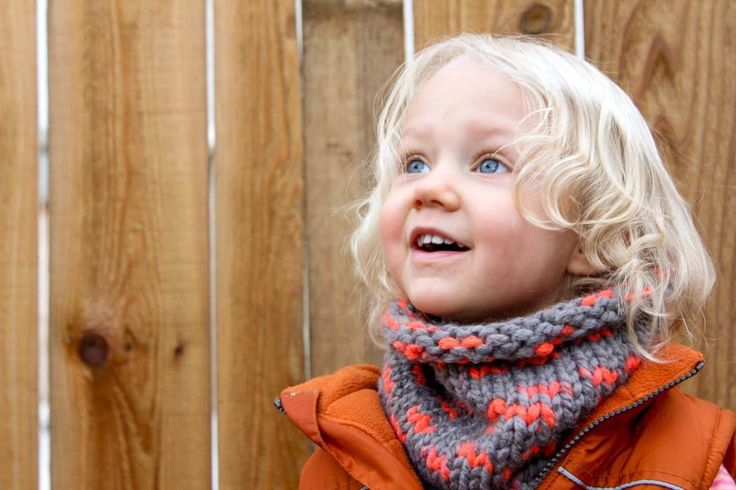 """Super easy cowl scarf to make for a DIY gift this year. This free pattern uses Lion Brand Wool-Ease Thick and Quick in the color """"Monarch."""" Sizes include toddler, child and adult. Click to view the free pattern!   MakeAndDoCrew.com"""