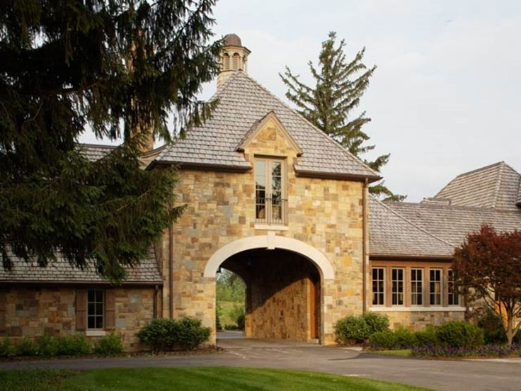 148 best images about barn gym on pinterest sliding barn for Porte cochere homes