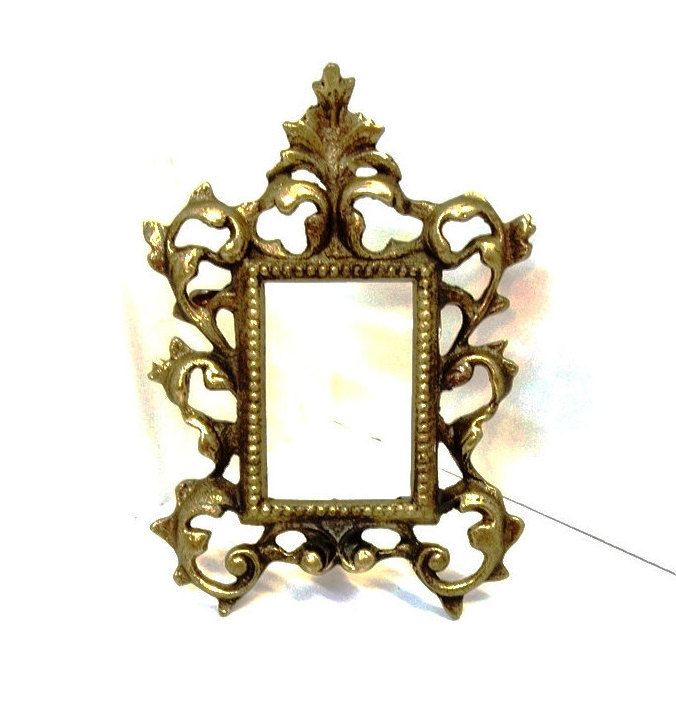 Small Cast Iron Metal Picture Frame Acanthus Leaf Ornate Openwork Metal  Scrolls 2 1/4 X 3 1/4 Photo Frame Easel Back Gold Gilt Frame DD 1059