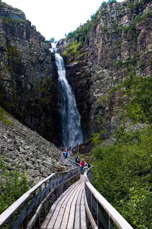 Hoogste waterval van Zweden de Njupeskär
