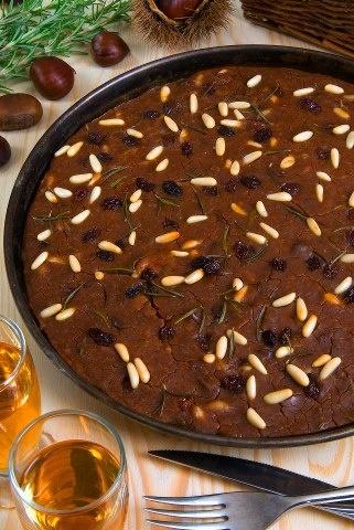 Chestnut flour cake with pine nuts: castagnaccio