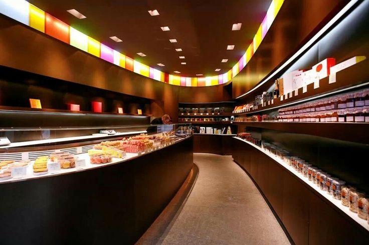 Shop Macaron Pierre Hermes Paris
