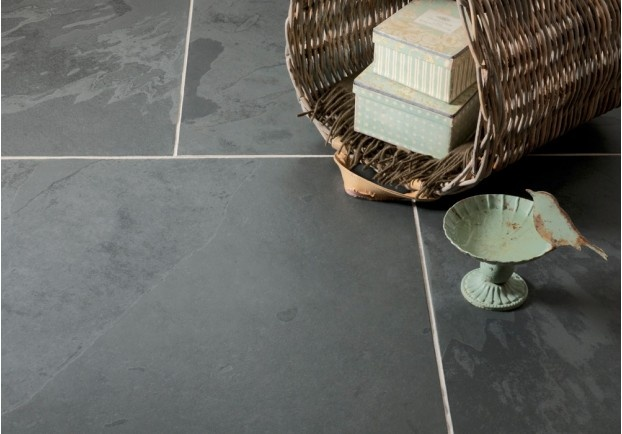 Another new addition to our slate range, the Black Farmhouse Flagstone Tiles are a consistent slate with shades that range from light grey to black. They have an incredibly smooth finish that is lightly riven to exude quality, heritage and style.