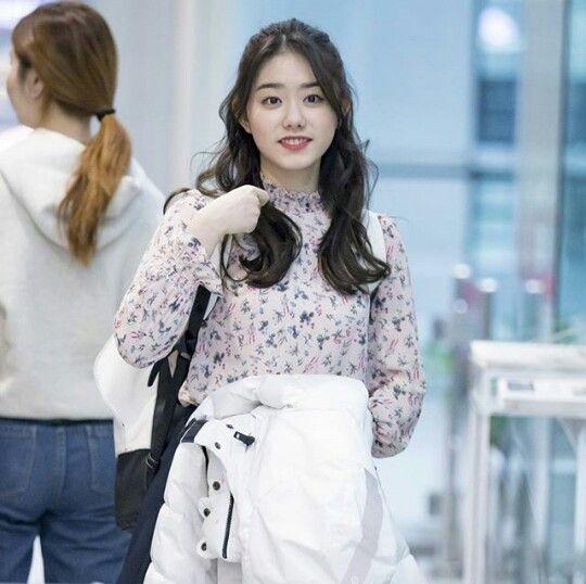 Style romântica... #stylesohye #ioi #kimsohye #Sohye #sohyefashion #k-pop #koreanstyle #k-popstyle #kimsohye2017