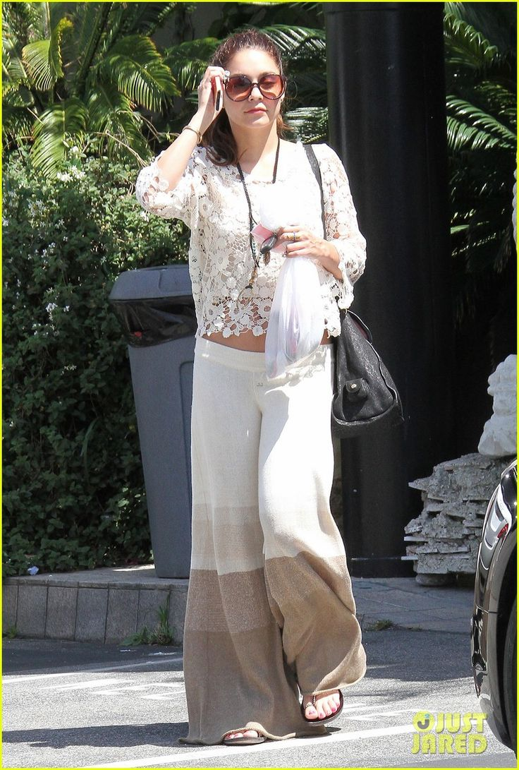 vanessa hudgens spa pampering pilates workout 11 Vanessa Hudgens wears a white lace top while treating herself to a relaxing afternoon at the spa on Wednesday (May 15) in Los Angeles.    Earlier in the day, the…