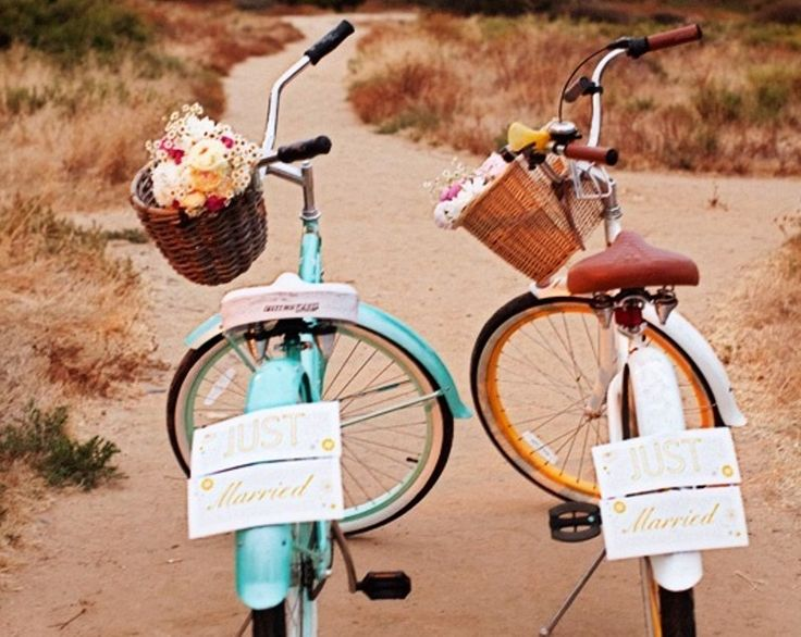 Το ποδήλατο στη γαμήλια διακόσμηση Για ένα γάμο με country ύφος.