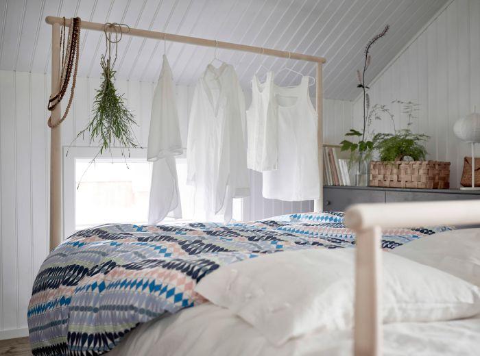 Les 25 meilleures id es de la cat gorie t te de tringles for Tete de lit avec tringle a rideau
